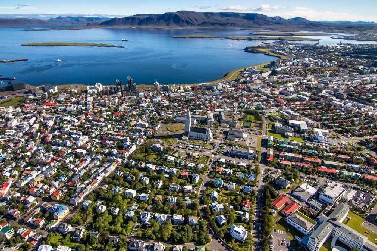 Reykjavík / Reykjavik from air
