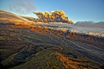 Icelandic Volcano Eruption Continues to Disrupt European Airspace