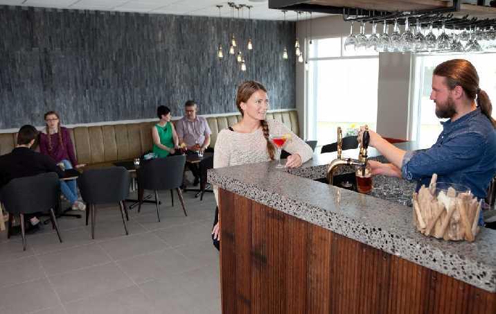 STRACTA HOTEL BAR