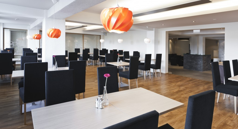 16 Hotel Klettur breakfast room