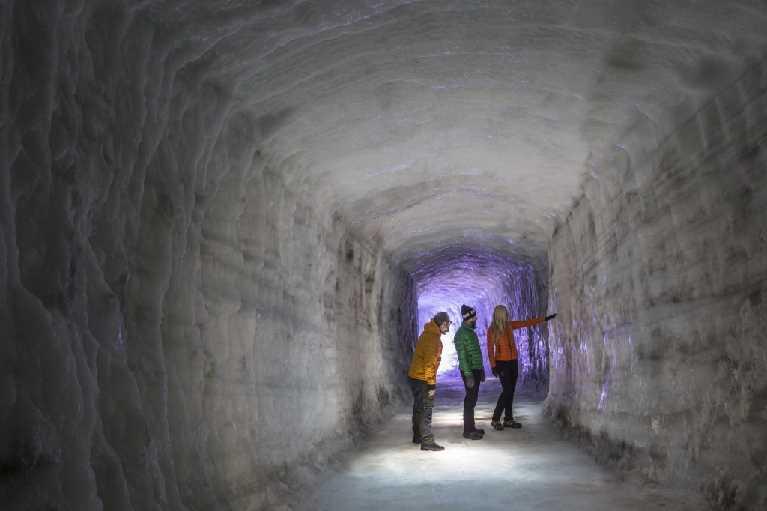 Inside the Glacier 3 (Skarpi mynd)
