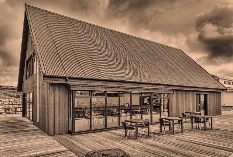 restaurant tangi vestmannaeyjar vestman island icelandictimes