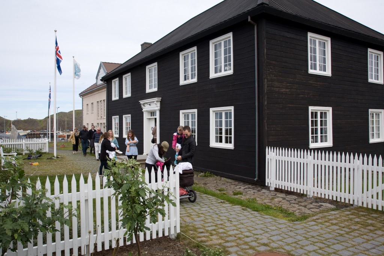 stykkisholmur norska husid icelandic times17_juni_063