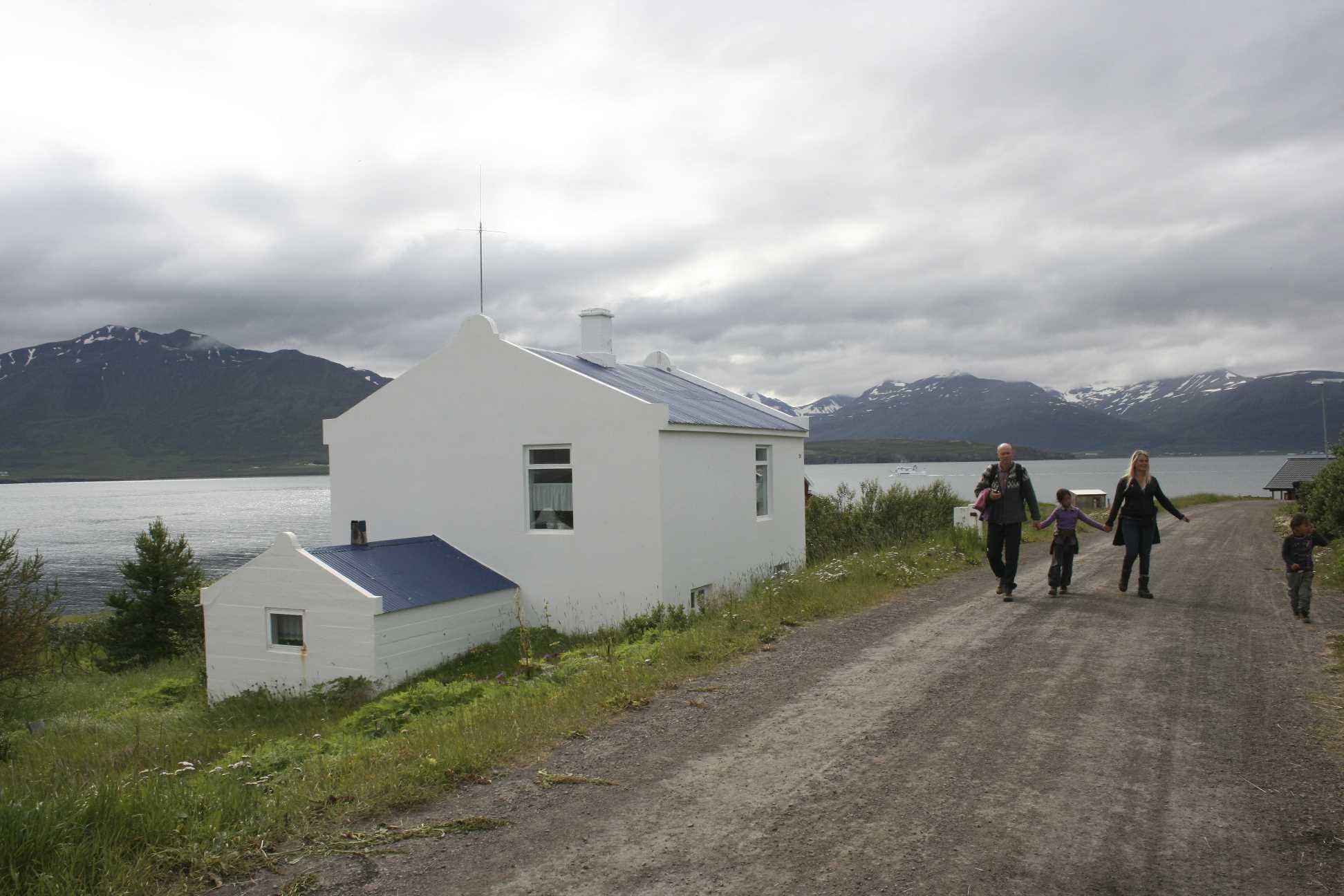 icelandic times Hrisey 2012 116