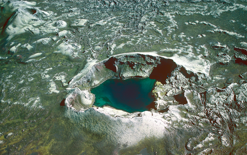 4. Screen Shot. Tjarnargigur Craterlake.