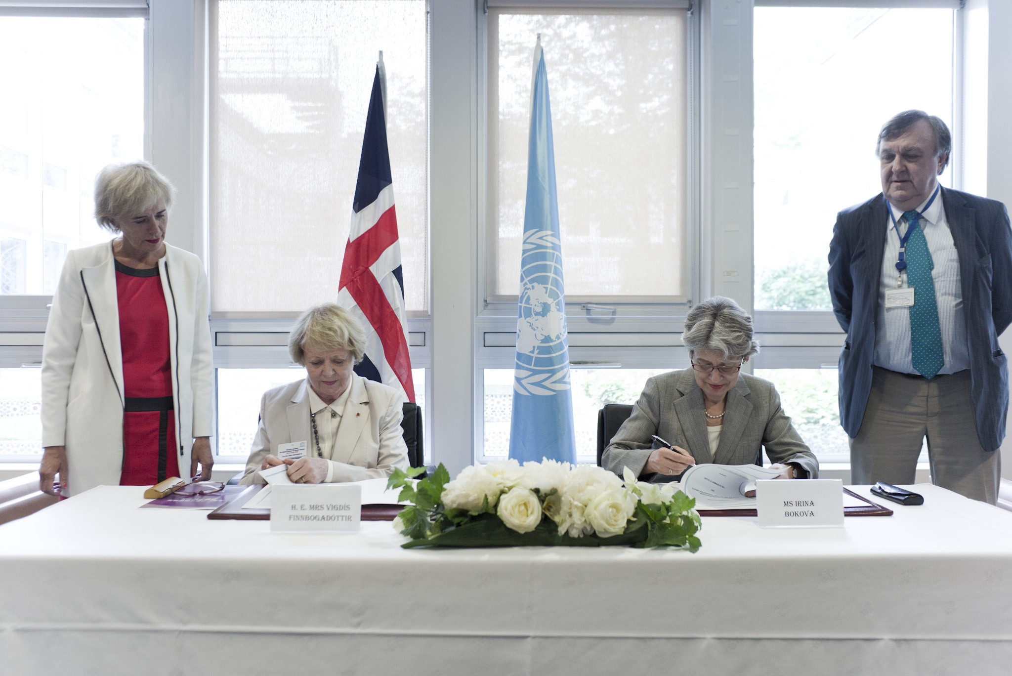 Signing Agreement UNESCO & Languages Iceland Mrs Vigdis Finnbogadottir_Irina Bokova