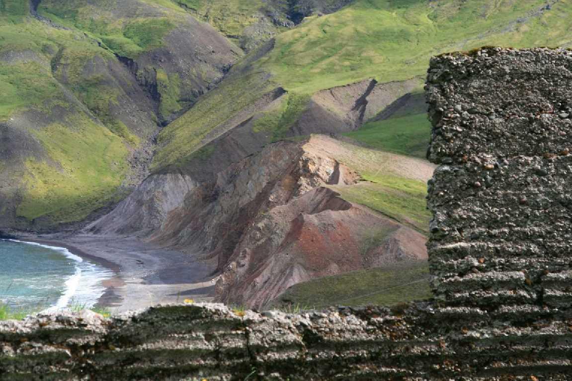 Brunavik ruins view1