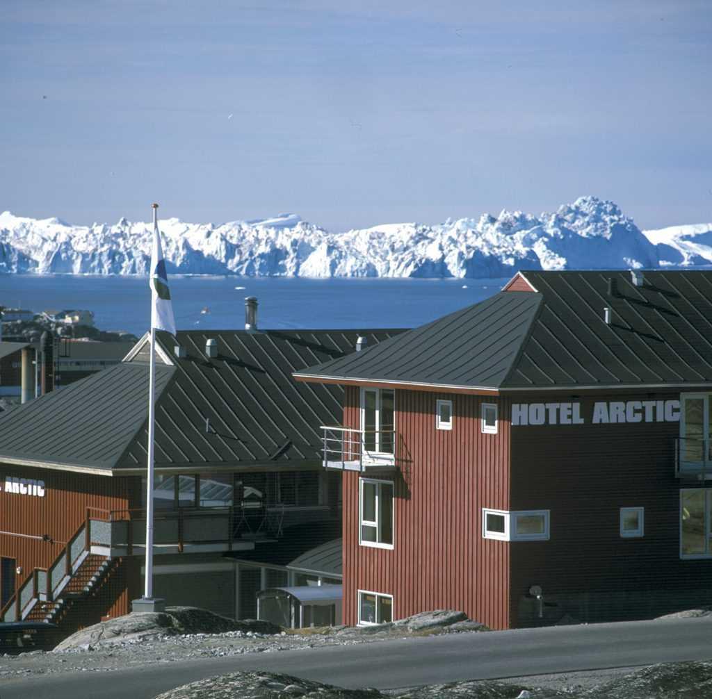 icelandic times Hotel-Arctic-icebergs
