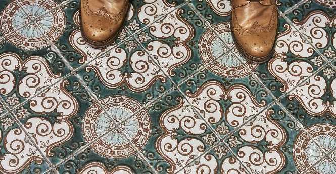 Hotel Holt tiles