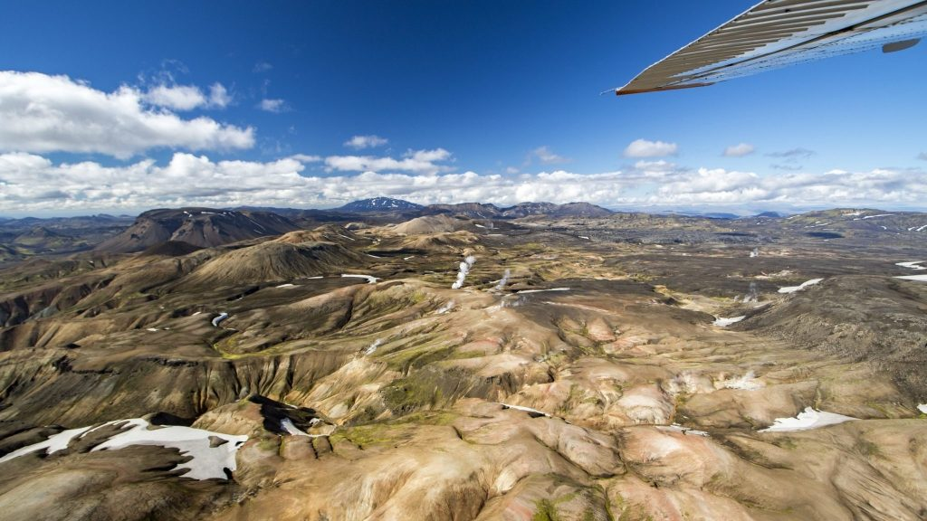 Landmannalaugar flight