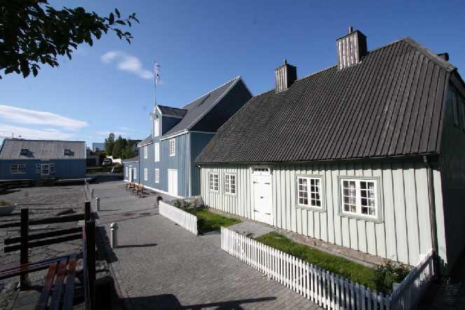 Siggubær House