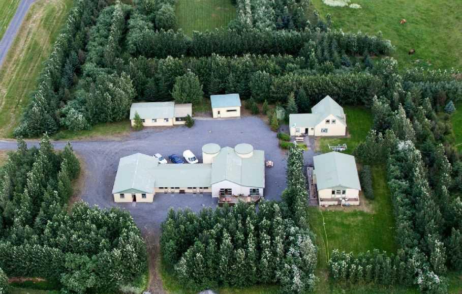 Hjarðarból Guesthouse